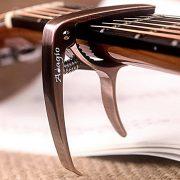 Capodastre-Adagio-pro-Deluxe-pour-guitares-acoustiques-et-lectriques-avec-libration-rapide-et-extracteur-de-pince-en-bronze-0